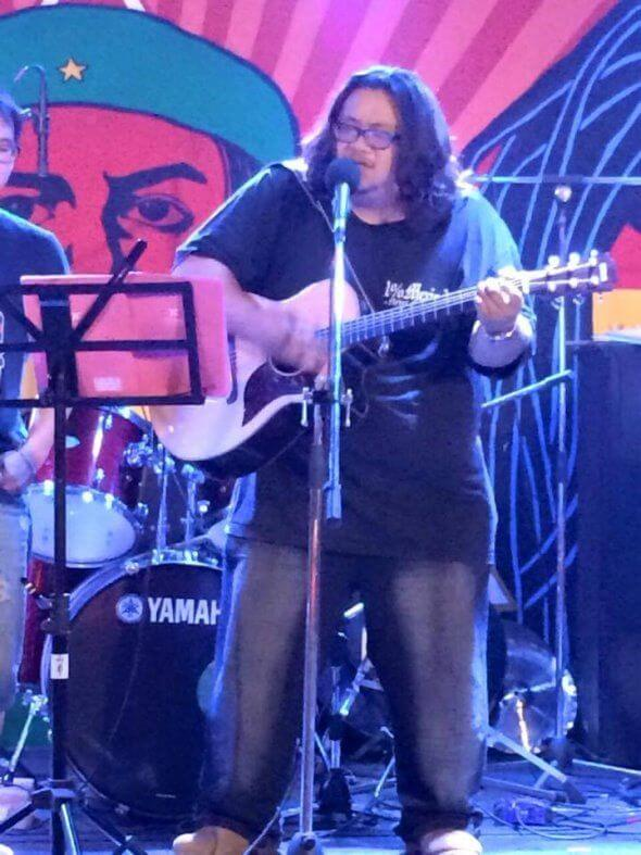 高雄吉他教學 高雄學吉他 學木吉他 學民謠吉他 學電吉他 吉他老師 推薦